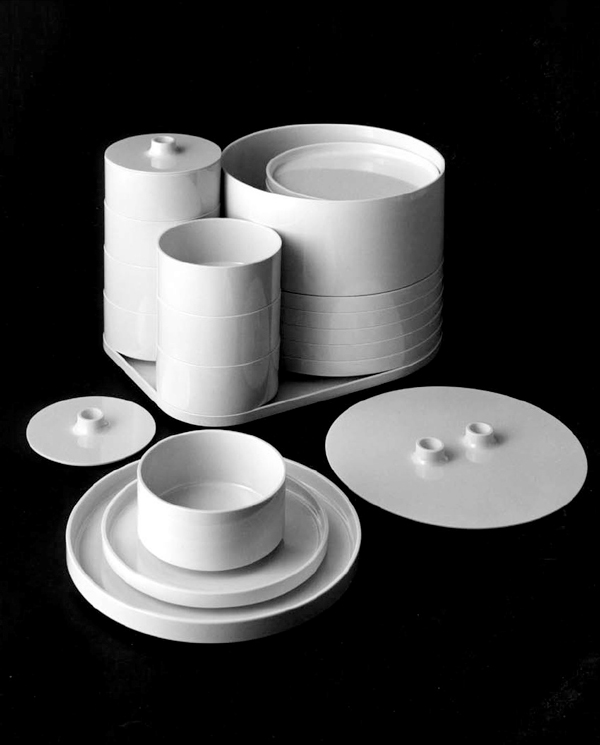 Previous article & The Milanese. » Heller Dinnerware Set Design by Massimo Vignelli 1964.