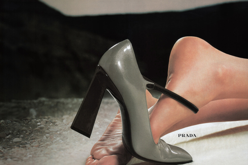 prada-campaign-fall-1998-photographed-by-norbert-schoerner